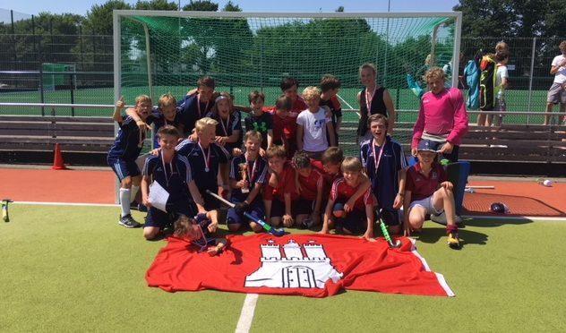 Erfolgreiche Hockey-Teams des CvO – Jungen Jg. 05/06 holen Meistertitel